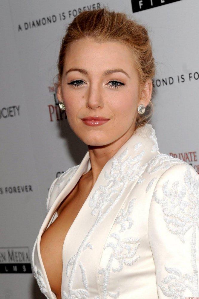 Amanda Peet Oops - Hot... Paris Hilton Ny