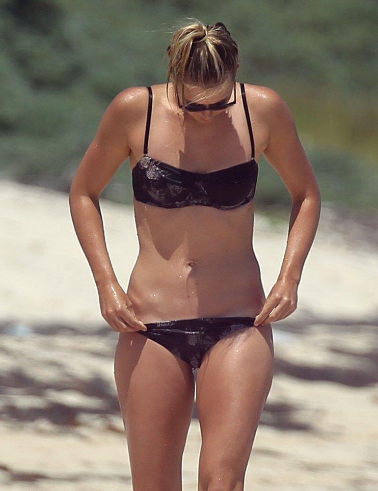 Шарапова арина пляжные фото 22 фотография