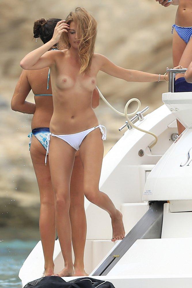 breasts stephanie macintoshs