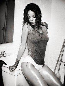 rihanna esquire8 225x300 Rihanna   Esquire Magazine (December 2014)