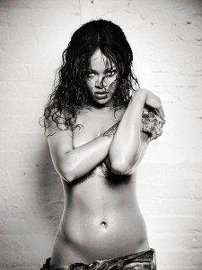 rihanna esquire9 225x300 Rihanna   Esquire Magazine (December 2014)
