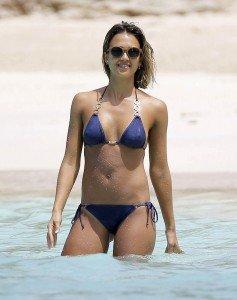 jessica_alba_beach7