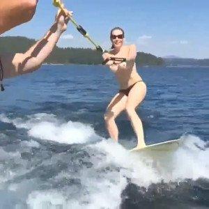 Chelsea_Handler_Skiing_Topless