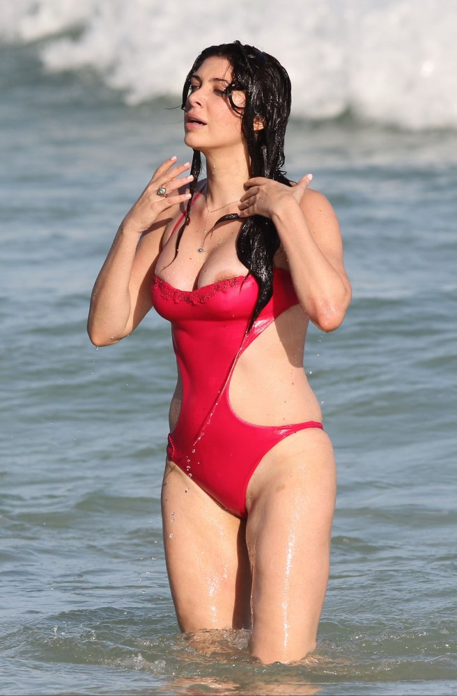 brittny gastineau oops nipple   beach in miami 28 12 15