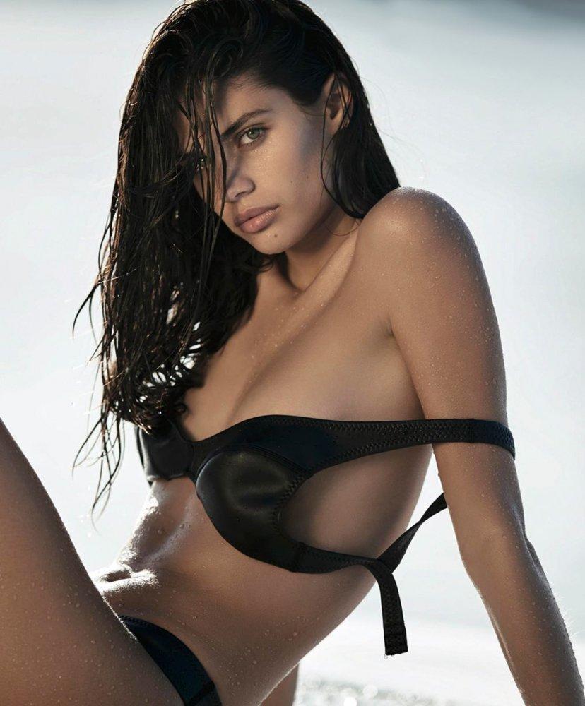 naked asian girls big tits
