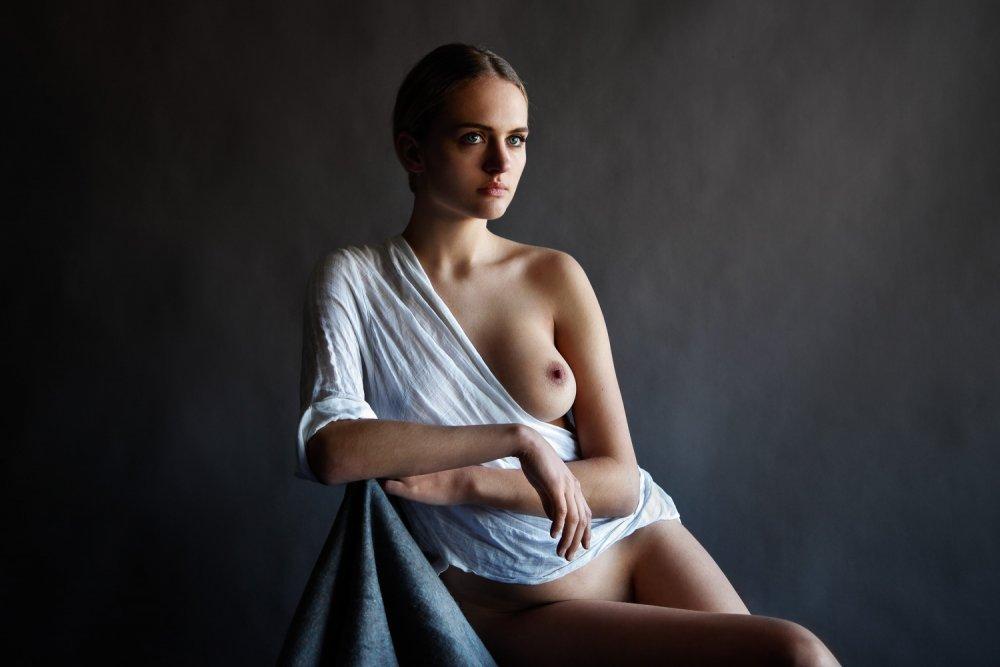 madison riley nude photoshoot