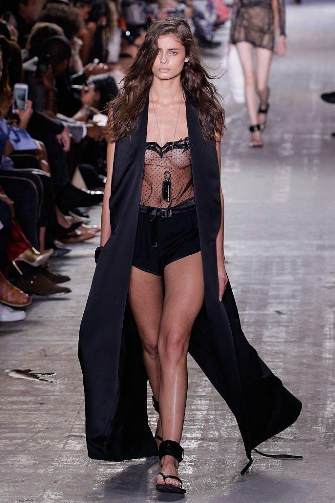 Alexander Wang - Runway - September 2016 - New York Fashion Week