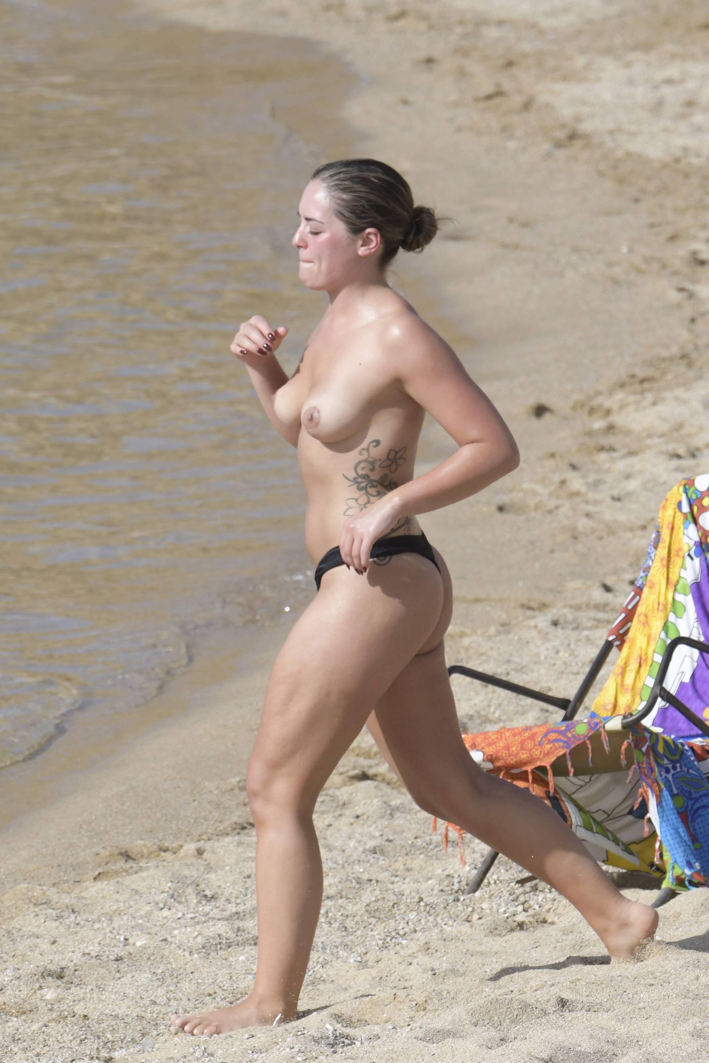 sexy nude on bondi beach